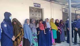 গাজীপুরে ৮ নারী ছিনতাইকারী আটক
